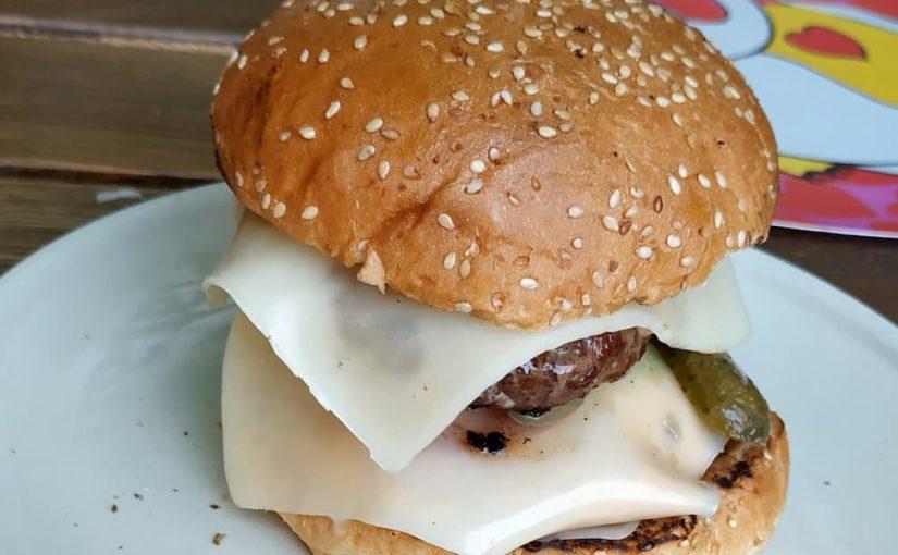 Přijďte na 🍔 hamburger na novou letní zahrádku